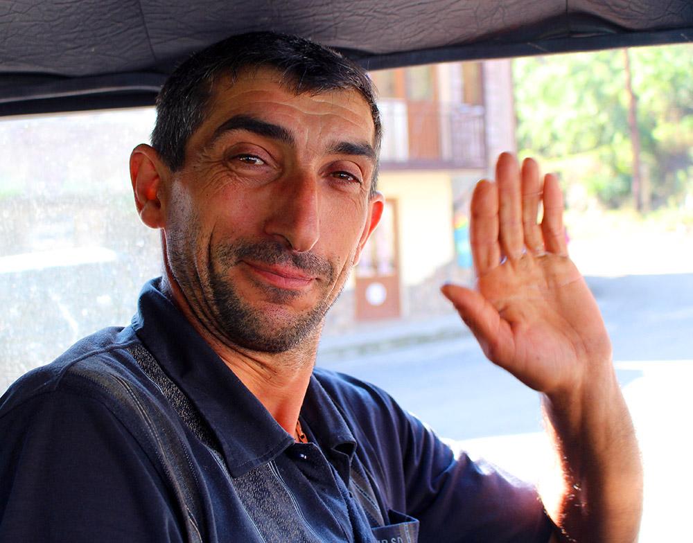kak-prinyat-na-rabotu-grazhdanina-armenii-s-rvp